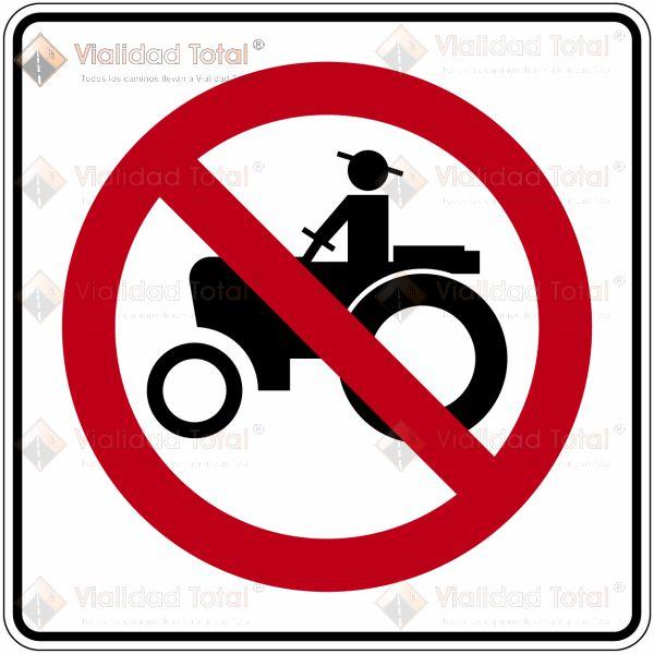 Señal Restrictiva SR-29 Prohibida la Circulación de Vehículos Agrícolas