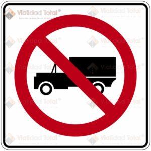 Señal Restrictiva SR-32 Prohíbida la Circulación de Vehículos de Carga