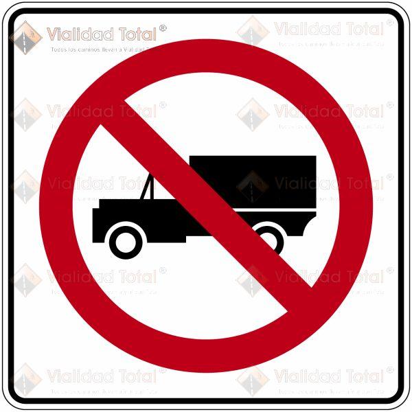 Señal Restrictiva SR-32 Prohibida la Circulación de Vehículos de Carga